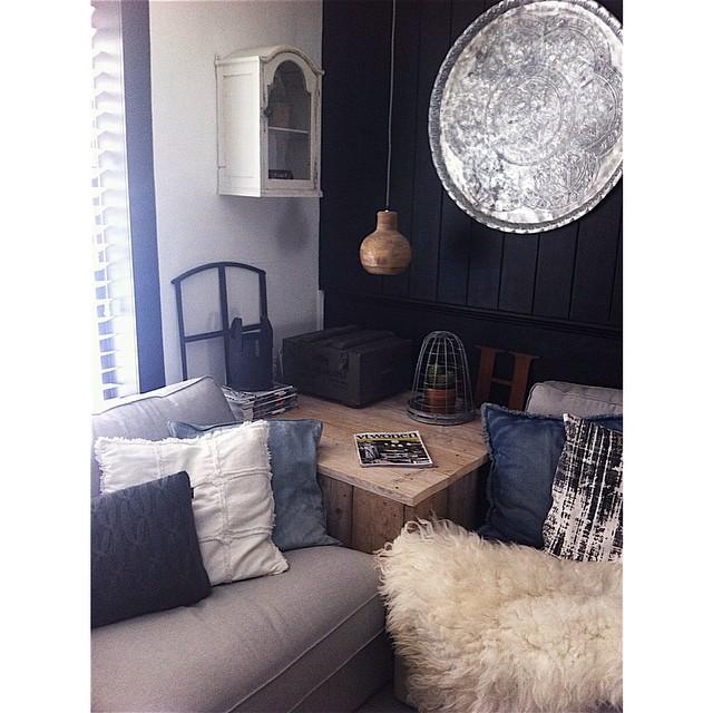 Een kijkje in het huis van jet het leven is een feestje blog - Tafel josephine wereldje van het huis ...